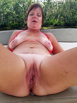 mature bbw saggy tits strip
