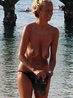 amature matured lady beach porn pictures