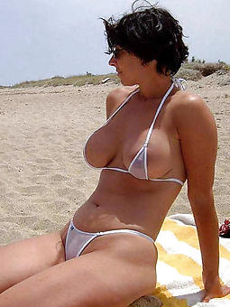 sexy pictures of  grown-up ladies in bikinis