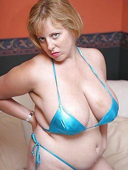 mother in bikini free naked pics