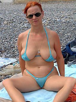 curvy matured blonde bikini