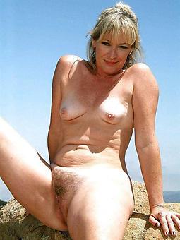 blonde adult ladies levelling