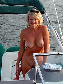 lead to mart young gentleman nude photos