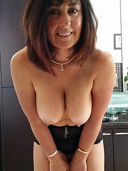 whore naked brunette aristocracy pics