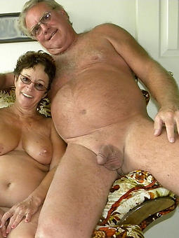 amatuer mature naturist couples pics