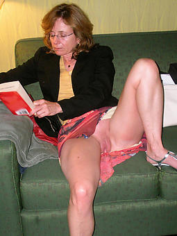 nude pictures be fitting of mother with glasses