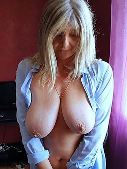 amature lickerish grandmas nude photos