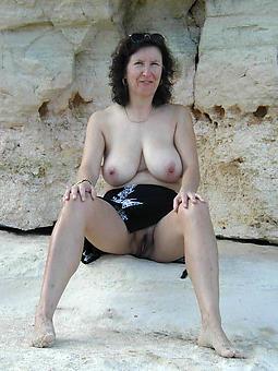 hot grown-up ladies free porn pics