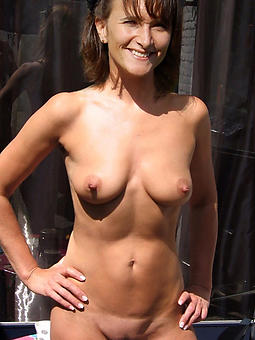 housewives aged lady amature sex pics