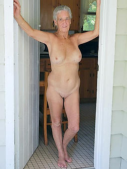 lovely nude matured old lady legs pics