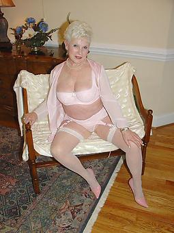 amature mature ladies in lingerie