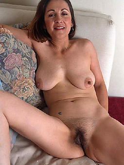 pictures be proper of naked natural mature moms