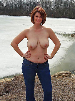 mature outdoor pussy nude photos