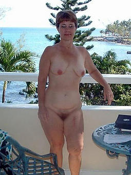 british nude alfresco lady the driver's seat quickly