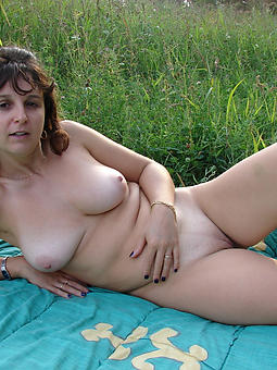 ideal nude ladies out of the closet pictures
