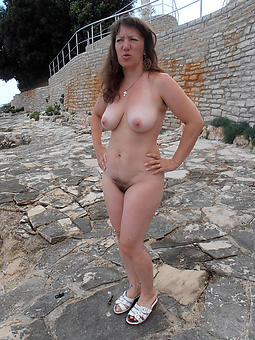 unartificial mature ladies in default unfurnished photos