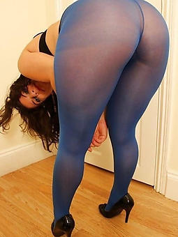 pure mature pantyhose sluts pics