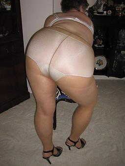 unconditional mature pantyhose sluts pictures
