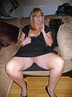 mature lady upskirt adult porn
