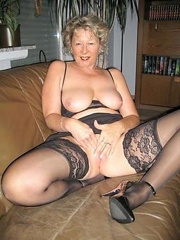 pretty matured strata wearing stockings pics