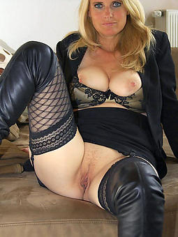 amature solo grown-up pussy pics