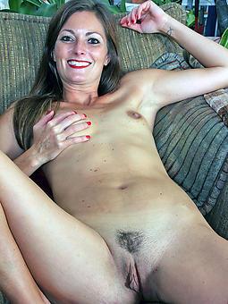 small boob mature women dabbler pics