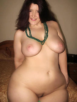 matured curvy pussy strip