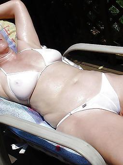 sexy mature women bikinis stripping