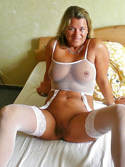 amature mom in lingerie porn