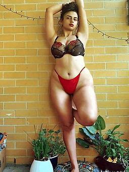 curvy moms amature porn