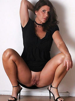 beautiful nude mature ladies