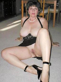 amature mature morose women
