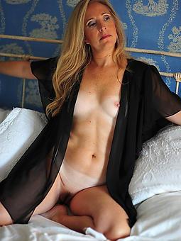 sexy horny moms nudes tumblr