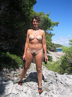 nice nude moms outdoors