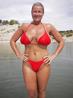 bikini moms amature porn