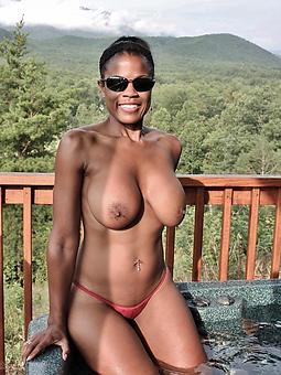 pulling black mom porn pictures