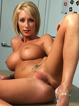 hotties  milfs added to moms