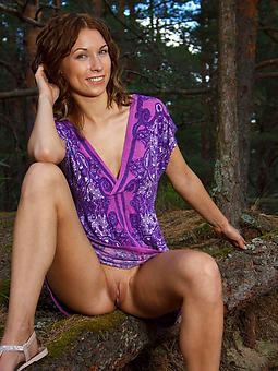 amateur ladies upskirt seduction