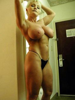 hotties huge boobs mom hot pics
