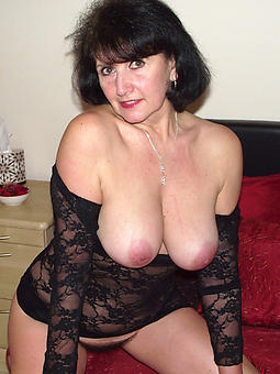 amature beautiful naked moms pictures