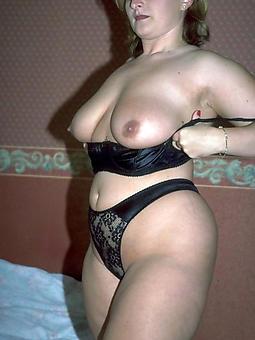 dressy nude moms amature porn