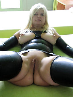 nude mature ladies over 60 stripping