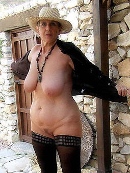porn pictures of sexy denude ladies over 60
