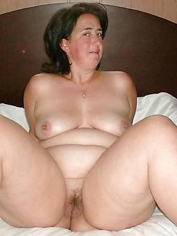 nude mummy bbw seduction