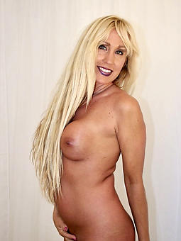 chunky beautiful moms erotic pics