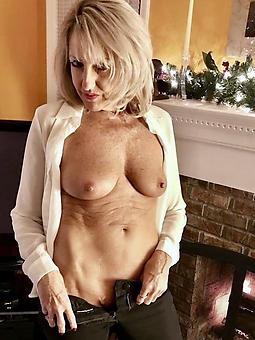 ritzy nude moms xxx pics