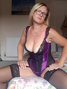 pretty mummy with glasses pics