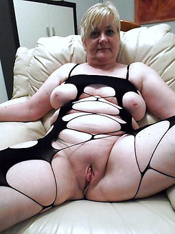 naked old lady pussy X pics