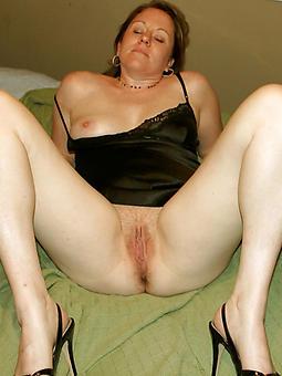moms pretty pussy photos