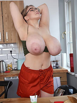 grown-up moms fat tits freebooting
